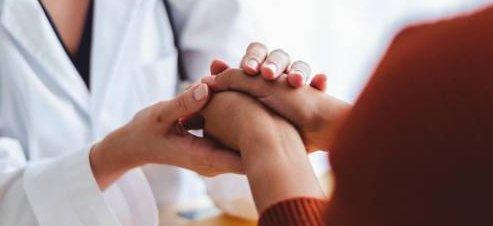 Apoyo psicológico al familiar del paciente crítico